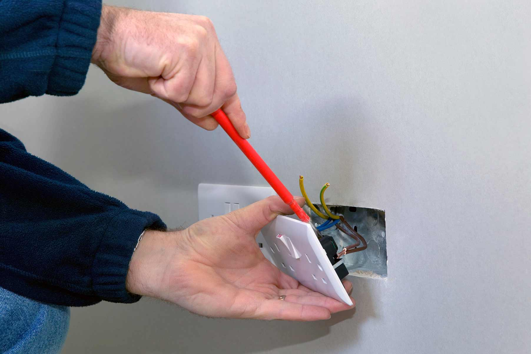 Our electricians can install plug sockets for domestic and commercial proeprties in Newington and the local area.
